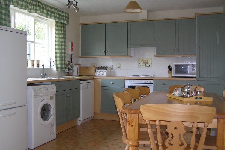 Wisteria cottage kitchen